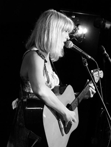 Hannah Clive singer/songwriter